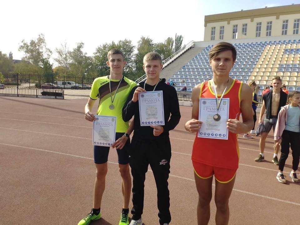 Багатий урожай медалей обласних змагань привезли додому легкоатлети Дружківки (ФОТО), фото-1