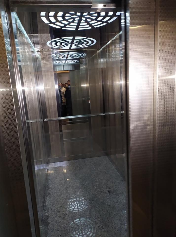 У Дружківці напередодні місцевих виборів продемонстрували запуск фонтану на Соборній та ліфта у центральній лікарні (ФОТО), фото-2