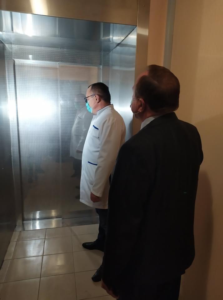 У Дружківці напередодні місцевих виборів продемонстрували запуск фонтану на Соборній та ліфта у центральній лікарні (ФОТО), фото-3