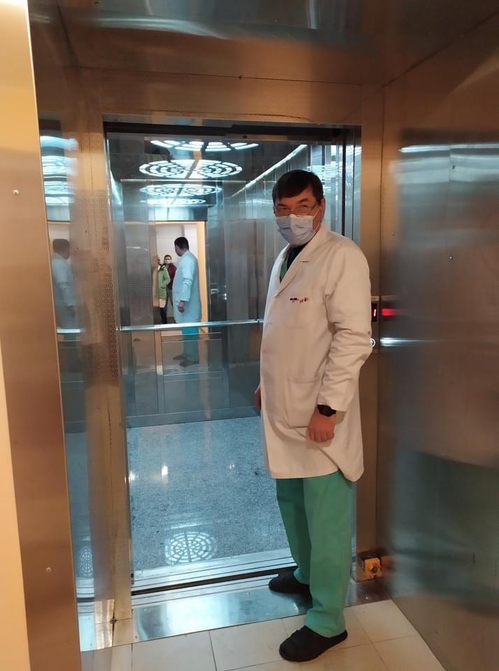 У Дружківці напередодні місцевих виборів продемонстрували запуск фонтану на Соборній та ліфта у центральній лікарні (ФОТО), фото-1