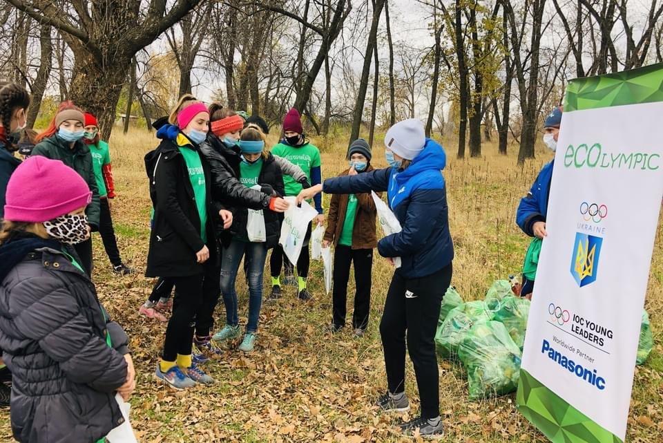 Юні легкоатлети Дружківки долучилися до ECOlympic та прибрали сміття з Молодого парку (ФОТО), фото-9