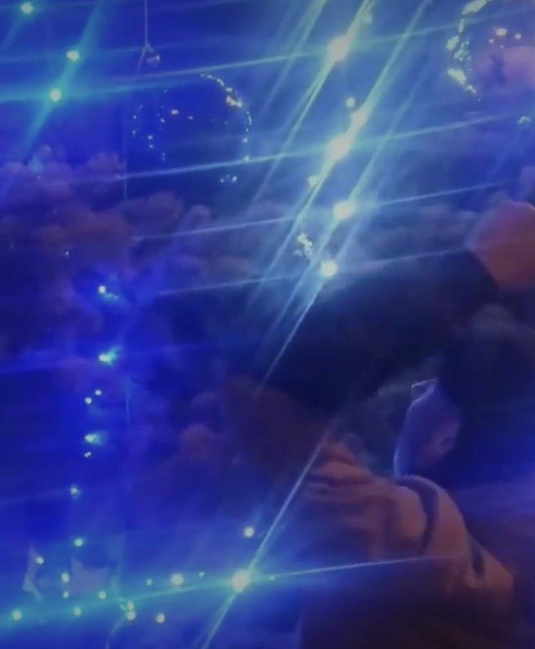 Дружківка: Молодики зняли на відео розбивання іграшок на новорічній ялинці , фото-1