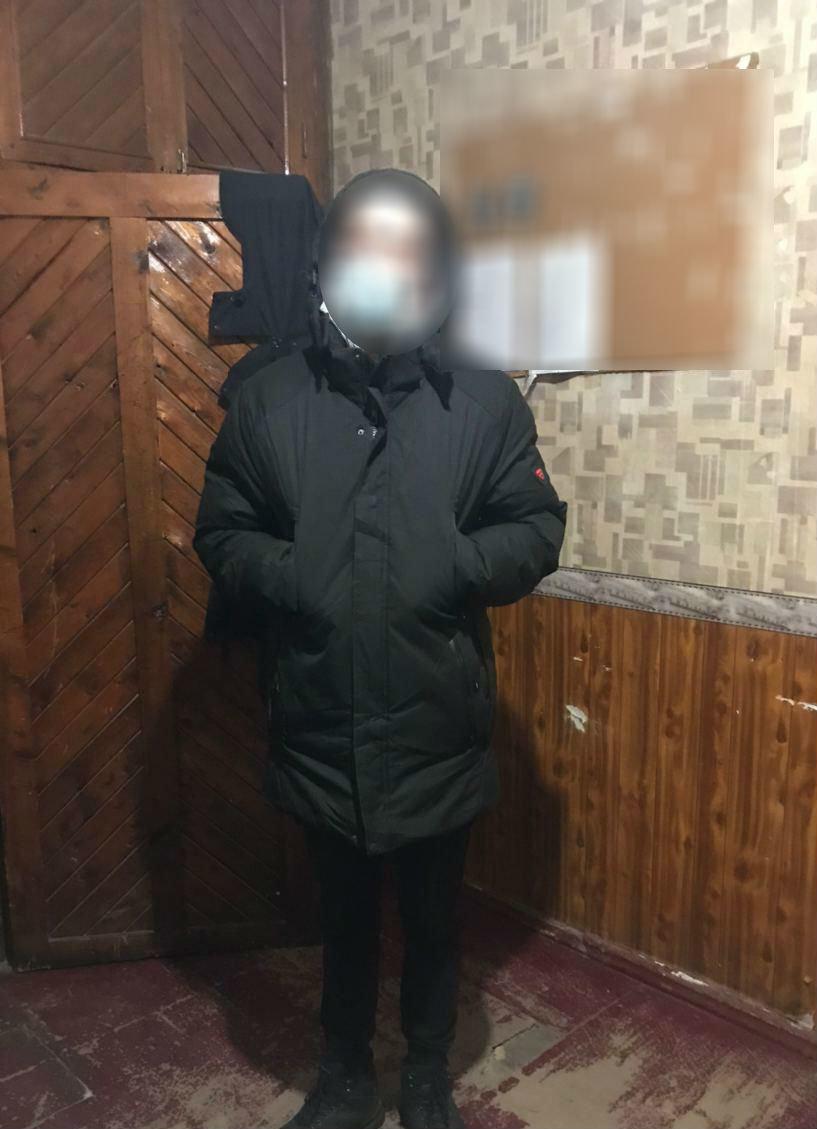 У Дружківці чоловік з ножем напав на жінку та відібрав гаманець , фото-1
