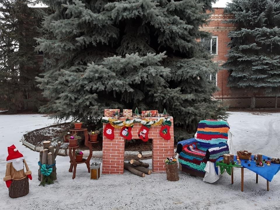 Клуб в Олексієво-Дружківці переміг у конкурсі та сяє святковими вогниками (ФОТО), фото-3
