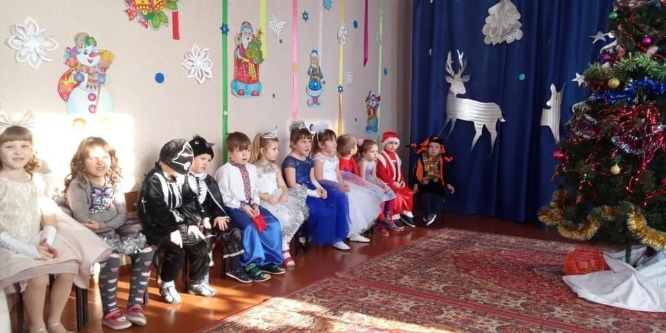 Дружківка: У НВК №4 відбулася зустріч із Дідом Морозом та Снігуркою, фото-2